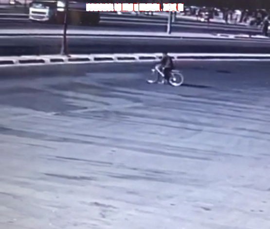 الأفلاج : وفاة آسيوي بعد ارتطام مركبة بدراجته الهوائية