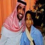 بالفيديو ..فايز المالكي يتبرع بسيارته الـ بنتلي لطفل فقد أسرته في حادث مروري
