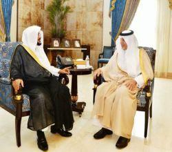 سمو أمير مكة المكرمة ونائبه يستقبلان الدكتور عبداللطيف آل الشيخ