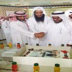 طلاب ثانوية الملك فهد يحتفلون بسلامة أ. فراج الزبران