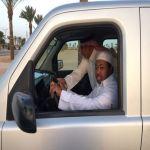 """الطالب عبود مخاطباً كرسيه المتحرك بعد سيارته الفاخرة  """"وداعية يا آخر لحظة تجمعنا"""""""