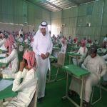 الزايد ومسؤولو تعليم اﻷفلاج يتفقدون سير عمل الاختبارات  في مدارس المحافظة