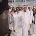 بالفيديو.. تكبيرات ودعاء زوار المسجد الحرام للملك سلمان خلال طوافه بالكعبة