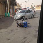 مواطن برفقة عائلته يصطدم بدراجة مقيم