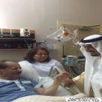 خادم الحرمين الشريفين يزور وكيل أمارة الرياض عبدالله البليهد في المستشفى