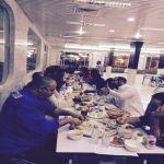 نادي الأنوار يقيم مأدبة عشاء للاعبين والجهاز الفني في مطاعم المها