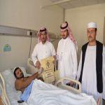 لجنة تنمية الأفلاج تعايد المرضى المنومين