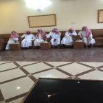 الشيخ عبدالله المطلق والشيخ خلف المطلق في ضيافة رئيس مركز الأحمر