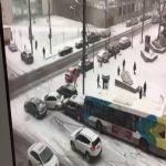 بالفيديو شاهد ماذا حدث في مونتريال بكندا مع بداية موسم الثلوج