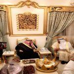 بالصور.. أمير الرياض يزور أسرة الخرعان في الأفلاج