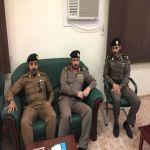 مدير شرطة الأفلاج يتفقد سير العمل بمخفر شرطة الأحمر