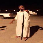 بالصور : مواطن في الأحمر يقتل صل أسود طوله 150سم