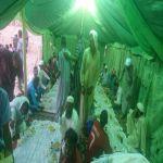 خيرية الأحمر تنفذ مشروع إفطار الصائم وتوزع سلال غذائية