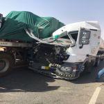 حادث شاحنتي وقود شمال الأفلاج 500 م يتسبب في تسرب الوقود