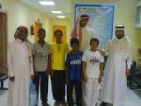 بمناسبة يوم اليتيم العربي : فرع جمعية إنسان في زيارة لمستشفى الأفلاج العام