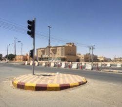 إغلاق إشارة شارع التوباد مع شارع الأمير محمد أكثر من أربعة أشهر