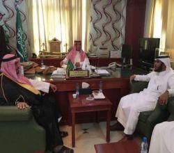 """مدير """"زراعة الرياض"""" يلتقي محافظ الأفلاج ويناقش إنشاء منتزهات محمية"""