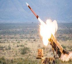 الدفاع الجوي يعترض صاروخيْن باليستيَّيْن في سماء الرياض