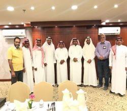 """أصدقاء جوال الرياض  يحتفون بـ """"خالد آل سيف"""" بمناسبة تقاعده"""
