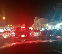 سوق الأفلاج يغص بالحركة المرورية ليلة كل عيد