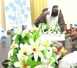 الشيخ طلال الدوسري يزور خيرية الأفلاج ويشيد بها