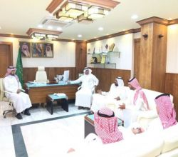 آل مغيرة يلتقي رئيس وأعضاء رابطة الأفلاج الخضراء