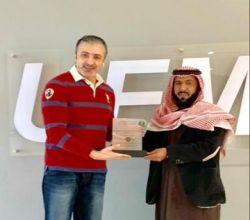 مدير إدارة العلاقات العامة والإعلام بفرع وزارة البيئة والمياة والزراعة بمنطقة الرياض يكرم إذاعة UFM