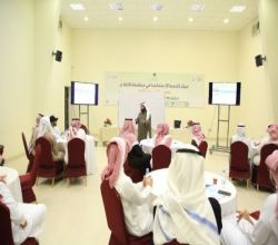 """شاهد : لجنة تنمية الأفلاج تنظم دورة """" مهارات العمل التطوعي """" لـ 80 شاب وفتاة"""
