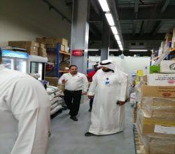 """بالصور.. """"بلدية الأفلاج"""" تكثف جولاتها على المحال استعدادًا لشهر رمضان"""
