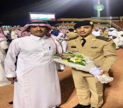 الملازم مضلي فهد آل ماضي خريجاً من كلية الملك عبدالعزيز الحربية