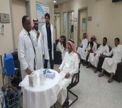 """بالصور ...مركز صحي حي الملك فهد ينفذ حملة """" لنمشي """""""