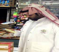 بالصور : بلدية الأحمر تنفذ جولات ميدانية لمراقبة المحلات التجارية ..إنذار ومصادرة  وغرامات