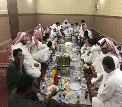 """شاهد : بحضور الشثري والرميح جمعية """"إنسان"""" بالأفلاج تنظم إفطارًا جماعيًّا لمستفيديها"""