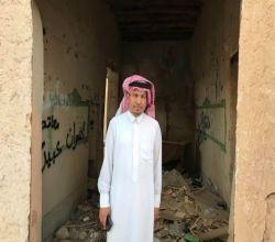 """بالصور :  من داخل مدرسته الطينية """"الماجد"""" يتذكر تعليم السبعينيات"""
