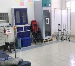 مدير مستشفى الافلاج العام يشرف على تجهيزات العيادات المدرسية