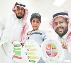 مستشفى الأفلاج يواصل حملة التطعيم للطلاب المستجدين
