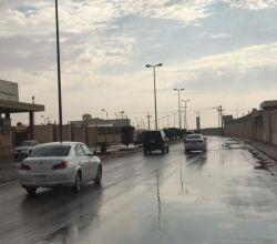 هطول أمطار متوسطة على الأفلاج ومراكزها
