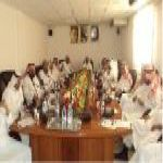 الزايد يجتمع برؤساء ورئيسات الأقسام التربوية والإدارية