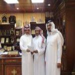 جامعة الملك سعود تكرم موظف في بلدية محافظة الأفلاج صاحب التجربة الفريدة بتربية واستئناس (الضبان) وصاحب المحمية بالمحافظة