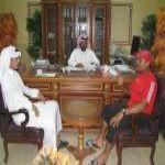 كان مدرباً في دولة الإمارات مدرب التوباد يصل النادي صباح  ويستقبله رئيس مجلس الإدارة وأمين النادي