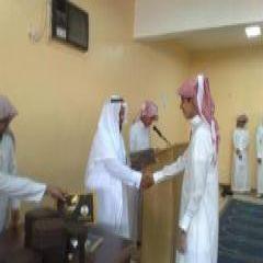 على شرف رئيس كتابة العدل الشيخ عبدالعزيز بن وحيد ثانوية ليلى تحتفل بتفوق طلابها