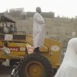 إمام يؤم المصلين على «كَفَر شيول» في مكة .. و«الفيسبوك» يوثقها