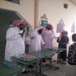 ابتدائية عبدالله بن رواحه وتحفيظ القرآن الكريم بالأحمر تكرم الطلاب المتفوقين