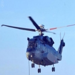 محافظ الأفلاج يرافق طائرة الدفاع المدني للوقوف على أضرار السيول