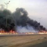 حريق كبير في ناقلة على طريق الدمام-الجبيل