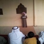 طالب بالمرحلة الابتدائية يؤم المدرسة ، مدرسة عبدالله بن رواحه وتحفيظ القرآن الكريم بالأحمر تقيم صلاة الاستسقاء