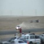 رجال المرور والدوريات الأمنيه يتابعون المفحطين أمام المدراس
