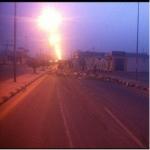 انقلاب شاحنة محملة بالخضار يتسبب في إغلاق الطريق العام بالأفلاج