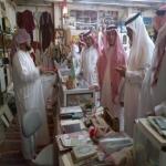 محافظ الأفلاج ورجل الأعمال محمد الشكره في زيارة لمتحف الدكتور عبدالرحمن الزنان
