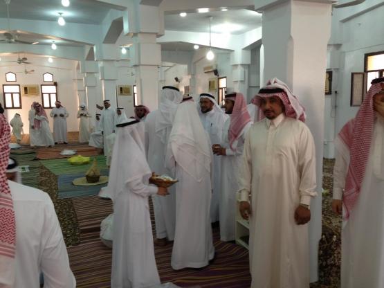 جماعة مسجد الإمام مالك تقيم إفطاراً جماعياً ..